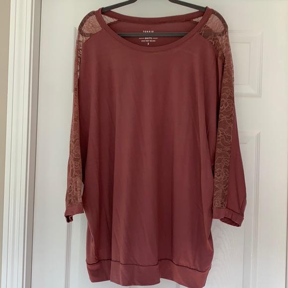 NWT:  Torrid Super Soft Lace Sleeve - 3